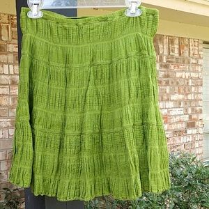 Cute green skirt Max Studio small